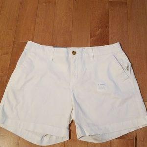 NWT Old Navy White Shorts - Size 4